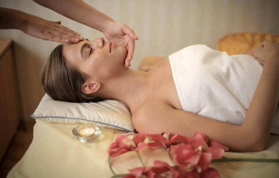 massage de la tête cuir chevelu comment pourquoi
