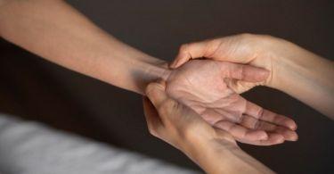 massage main comment pourquoi